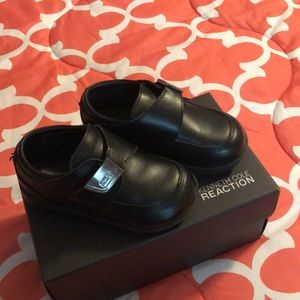Kenneth Cole toddler shoe
